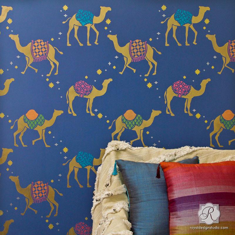 elegant-bohemian-wallpaper-moroccan-camel-wall-stencils
